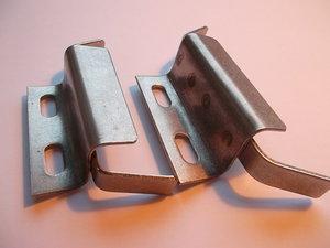 Frambindning för pjäxor med fyrkantig läpp och 3 hål under sulan fram (Nordic Norm75mm)